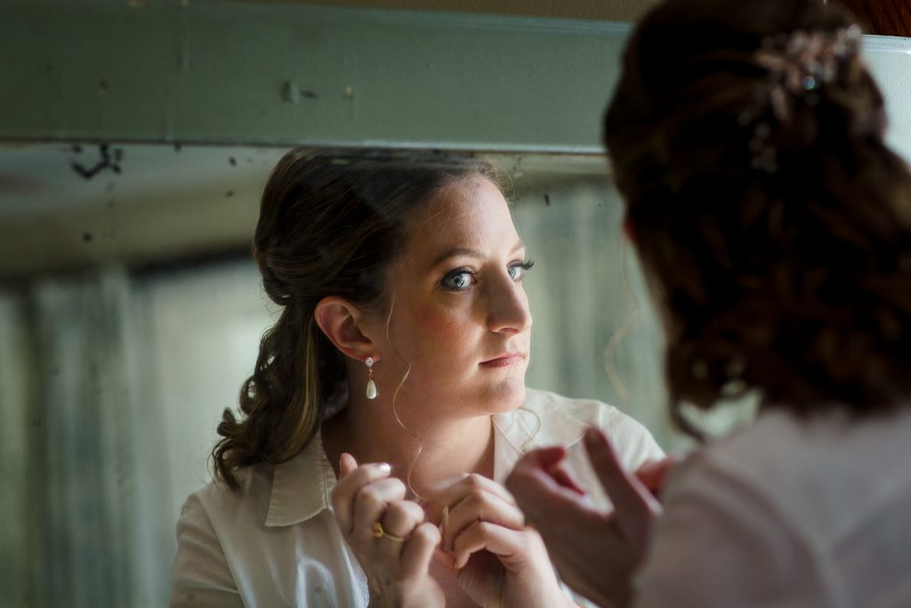 A bride gets ready for her wedding in norwalk ct